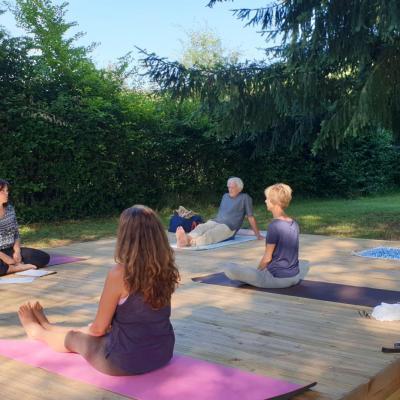 Yoga shakti en exterieur